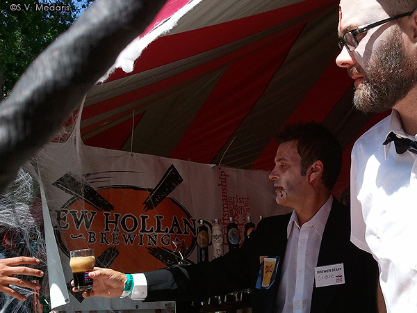 New Holland zombies serve beer